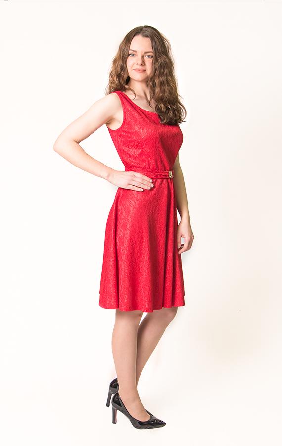 Красное кружевное платье-2